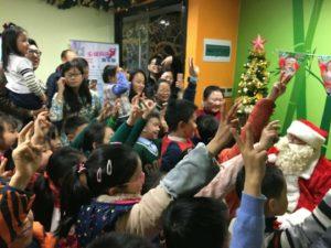Santa visits Shanghai Pandakids
